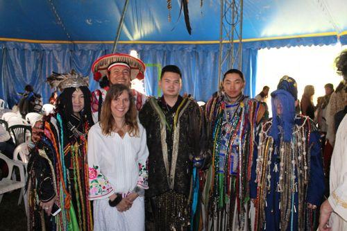 Marianna Varady avec une délégation de chamans mongols