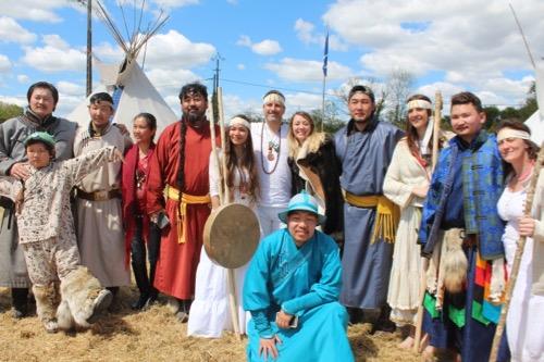 iris-estival-david-avec-les-chamans-de-mongolie